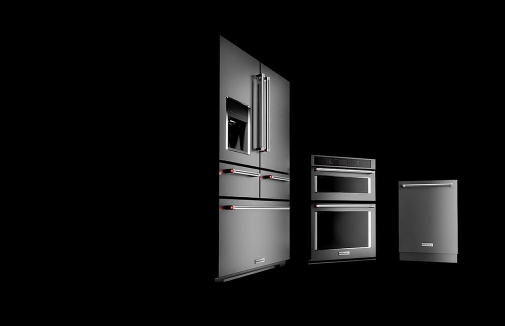 black-stainless-suite-kitchenaid