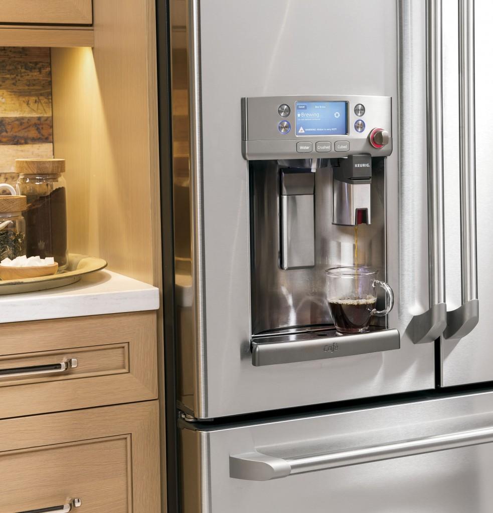 lifestyle_dispenser-dispensing1